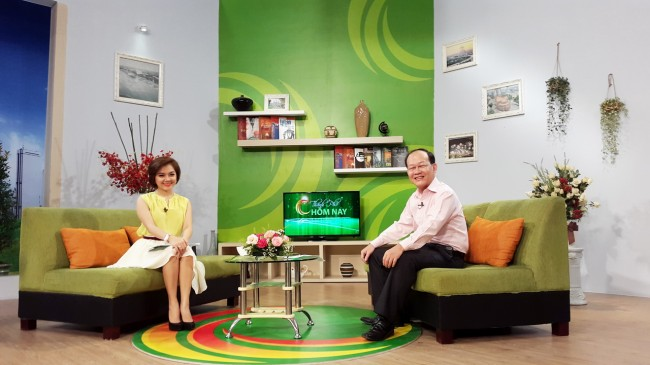 141009-phphuoc-htv9-talk-show-mobile-os-05_resize