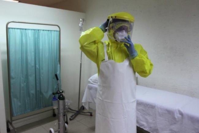 141014-ebola-nina-pham