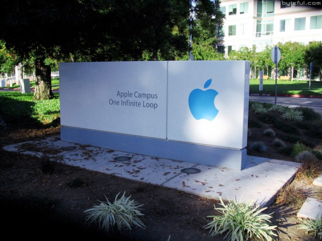 Apple-Campus-1-Infinite-Loop-sign