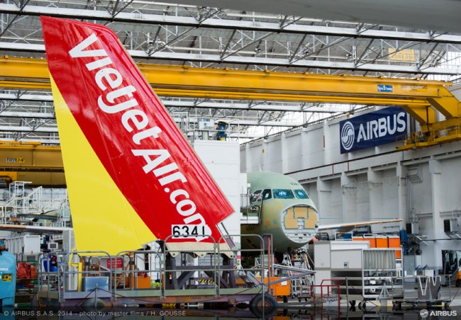 MAN-247-20140929-HG-A320 VIETJET MSN6341 TAIL FITTING-011