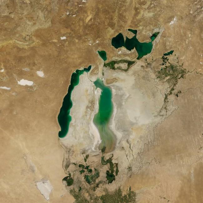 aral-sea-nasa-2010