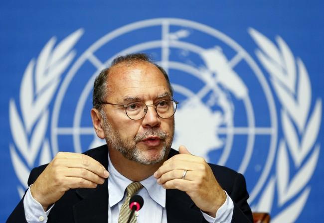 Uno de los descubridores del ébola, Peter Piot, durante una conferencia de prensa en Naciones Unidas en Ginebra