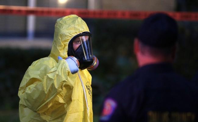 ebola-us-clean-apartmeny-nina-dallas-01