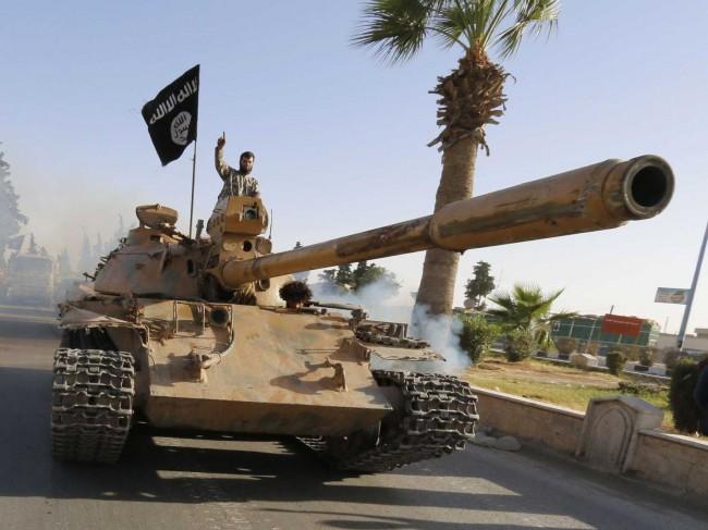 isis-on-iraqi-army-tank