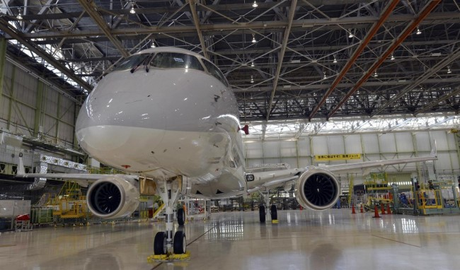 plane-japan-MRJ-04
