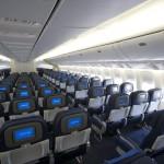 Hãng hàng không Mỹ United Airlines bắt đầu thay màn hình trên lưng ghế dựa bằng khung gắn tablet