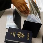 Người Mỹ lại kéo nhau từ bỏ quốc tịch để né luật thuế mới