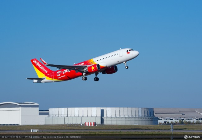00-AC-423-20141029-HG-A320 VIETJET MSN6341 TAKE OFF-011