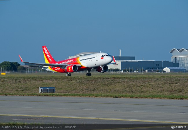 10-AC-423-20141029-HG-A320 VIETJET MSN6341 TAKE OFF-007