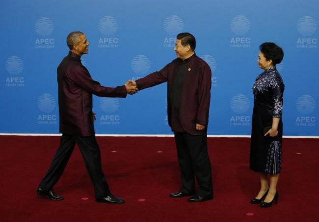 141111-APEC summit-leaders-08
