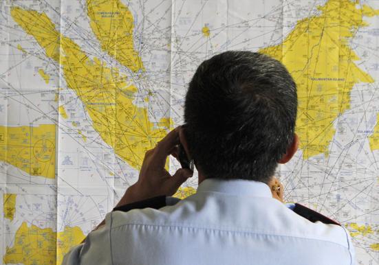 141228-airasia-qz8501-missing-04