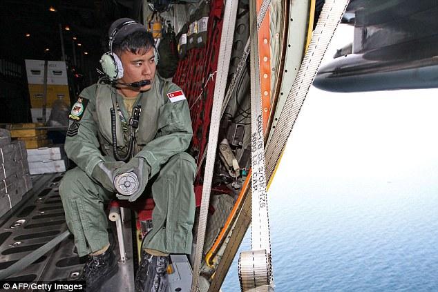 141229-airasia-qz8501-missing-search-01