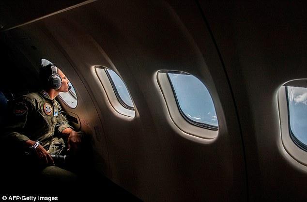 141229-airasia-qz8501-missing-search-02