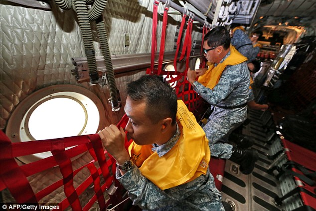 141229-airasia-qz8501-missing-search-05