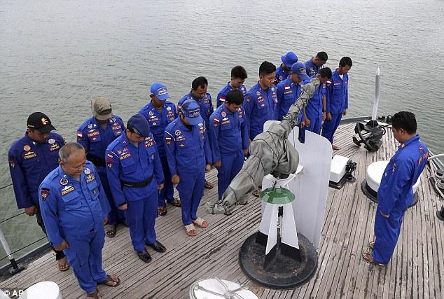 141229-airasia-qz8501-missing-search-09