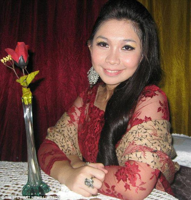 Indonesian AirAsia stewardess Khairunisa Haidar Fauzi-02