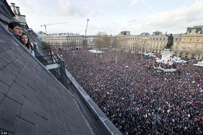 150110-2 million protesters-marched-paris-02