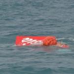 THẢM KỊCH CHUYẾN BAY QZ8501 LÂM NẠN: Ngày thứ 14, trục vớt được phần đuôi máy bay