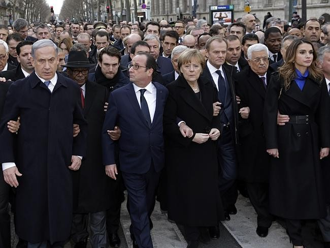 150111-states-leaders-marched-paris-01