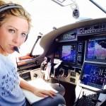 """Phi công mê chụp ảnh """"tự sướng"""" làm rớt máy bay"""