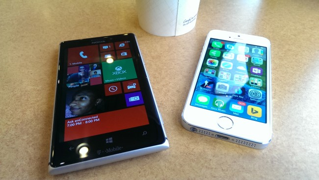 Apple-iPhone-5s-vs.-Nokia-Lumia-925-What-To-Buy-1