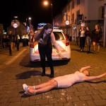 """Những """"ngôi sao đen"""" trong đêm Giao thừa 2016 trên đường phố London"""