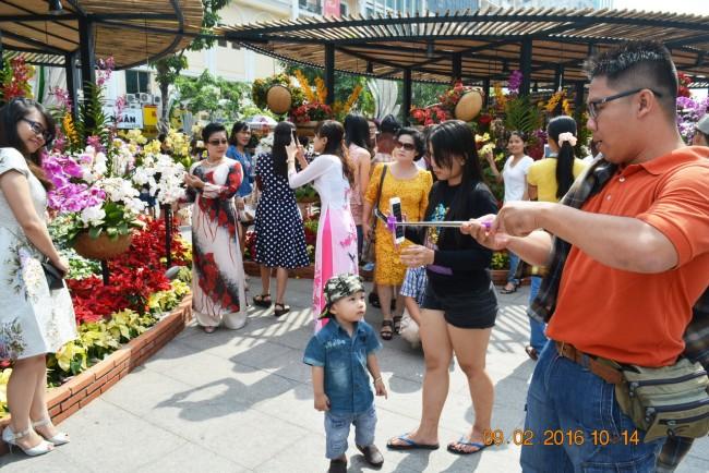 160209-tetbinhthan-duonghoa-nguyenhue-079_resize