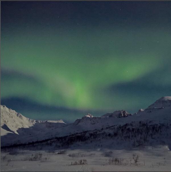 stephen-alvarez-lumia-950-aurora-01