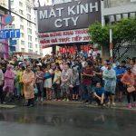 Dân Saigon đội mưa đợi chào đón Tổng thống Obama
