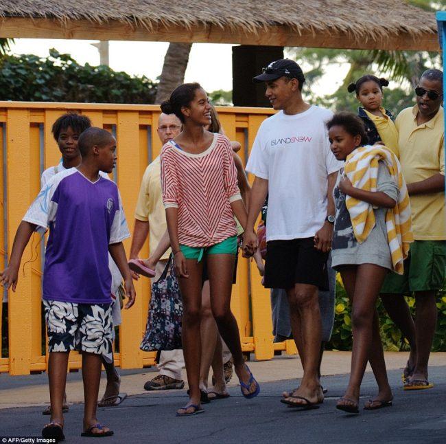 barack-obama-family-10