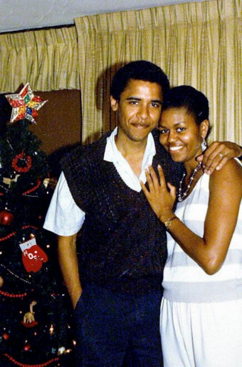 barack-obama-family-21_resize