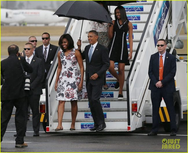 HAVANA, CUBA - MARCH 20:  First lady Michelle Obama, President Barack Obama, Malia Obama and Sasha Obama arrive at Jose Marti International Airport for a 48-hour visit on Airforce One March 20, 2016 in Havana, Cuba. Obama is the first President in nearly 90 years to visit Cuba, the last one being Calvin Coolidge.  (Photo by Joe Raedle/Getty Images)