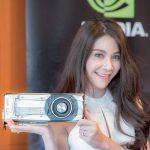 NVIDIA GeForce GTX 1080 trên tay cô bạn Thái