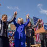 Có phải bà Hillary Clinton đã chắc chắn là ứng cử viên của đảng Dân chủ trong cuộc đua vào Nhà Trắng 2016?