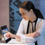 Ra mắt ZenBook Flip UX360 xoay gập 360° đầu tiên của ASUS ở Việt Nam