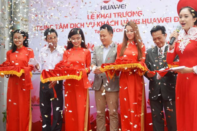 161105-huawei-services-centers-52_resize