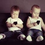 Có nên cho trẻ em tiếp cận quá sớm với thiết bị công nghệ?