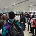 Sân bay quốc nội Tân Sơn Nhất 5g sáng đông như quân Nguyên