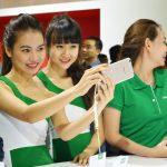 Oppo F3 Plus với 2 camera selfie cho selfie nhóm