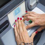 Bỗng dưng mất tiền trong tài khoản ngân hàng: lỗi ải lỗi ai?