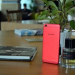 """Tiếp tay """"đập hộp"""" smartphone OPPO F3 phiên bản hạn chế màu đỏ"""