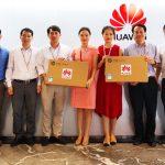 Huawei Việt Nam trao tặng máy tính cho 2 trường học ở tỉnh Lạng Sơn và Hòa Bình