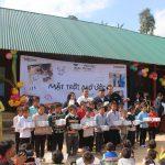Samsung tặng 1.000 chiếc đèn năng lượng mặt trời thắp sáng cho vùng cao Tri Lễ
