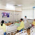 Samsung tặng 100 Smart TV cho bệnh nhân lão khoa ở Việt Nam nhân Ngày của Mẹ và Ngày của Cha