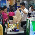 Đi siêu thị, không xài túi nilông…
