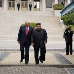 """Những bước chân """"vượt biên"""" lịch sử của Tổng thống Donald Trump"""
