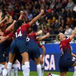 Coi bóng đá nữ thiệt là đã…