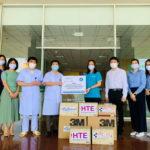 Hanoi Telecom tiếp tục tặng vật dụng y tế cho tuyến đầu chống dịch COVID-19