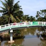 """Grab và Quỹ Bảo trợ Trẻ em Việt Nam khánh thành cầu Út Ốm trong dự án """"Xây cầu đến lớp"""""""