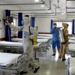 Pakistan sau 1 tháng tái mở cửa có thêm 100.000 ca nhiễm virus SARS-CoV-2